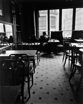 Solitary drinker Lafayette Hotel Greenwich Village New York 1948 Photo: Berenice Abbott